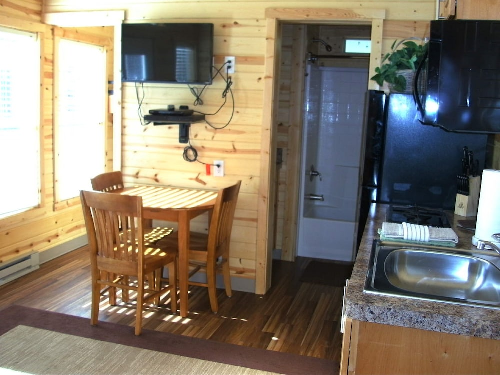 In-Room Dining, Bend-Sunriver RV Campground