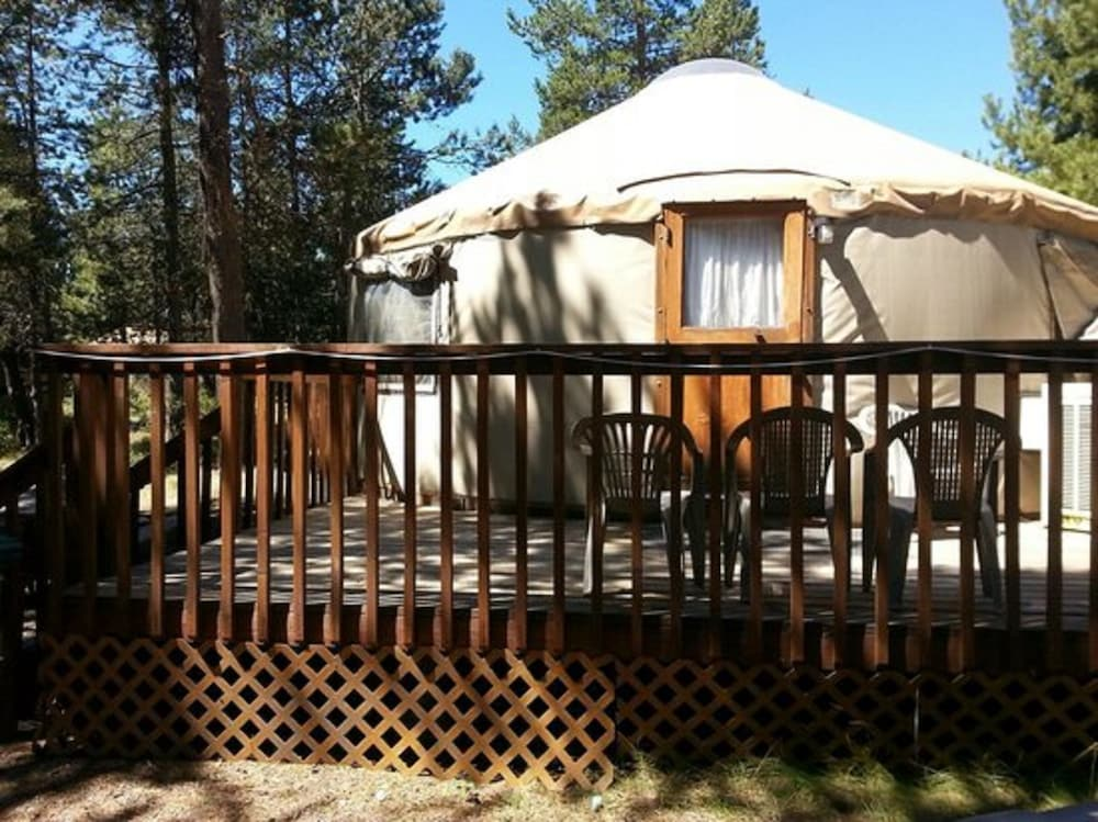 Terrace/Patio, Bend-Sunriver RV Campground