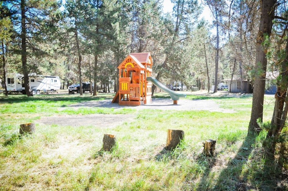 Children's Play Area - Outdoor, Bend-Sunriver RV Campground