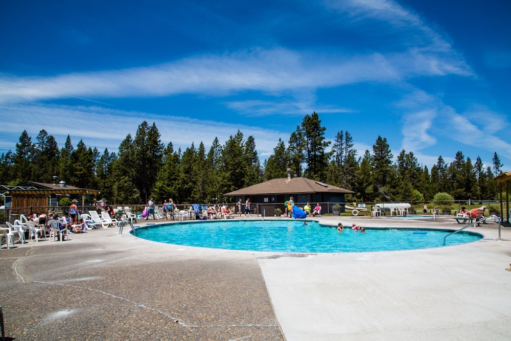 Outdoor Pool, Bend-Sunriver RV Campground