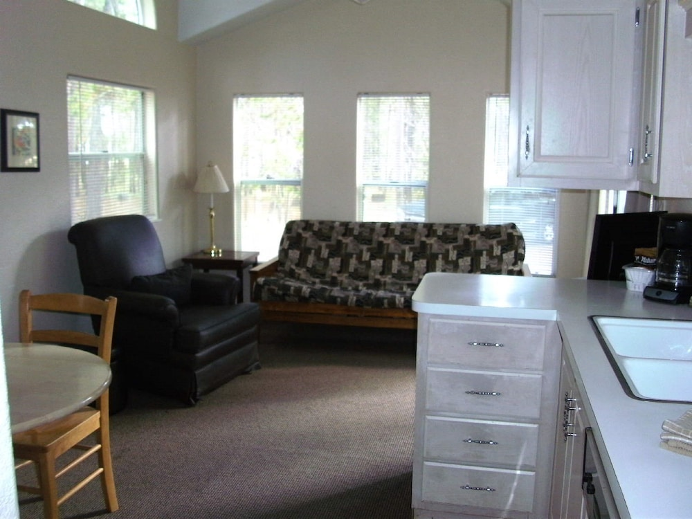 Living Room, Bend-Sunriver RV Campground