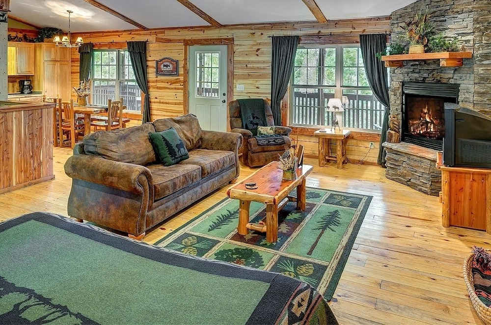 Living Area, Lake Forest Luxury Log Cabins