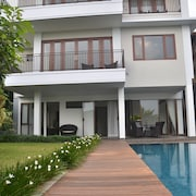 Asri Villa Dago Private Pool
