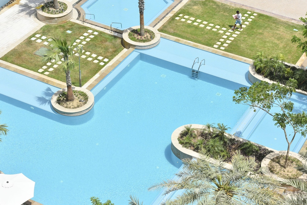 Outdoor Pool, Marsa Malaz Kempinski, The Pearl - Doha