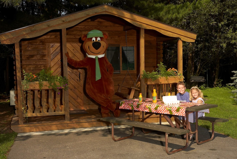 Chula Vista Resort Review Updated Rates Sep 2019: Yogi Bear's Jellystone Park Camp-Resort Wisconsin Dells