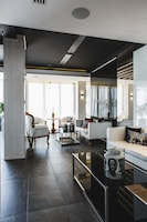 The Ciao Stelio Deluxe Hotel (1 of 161)