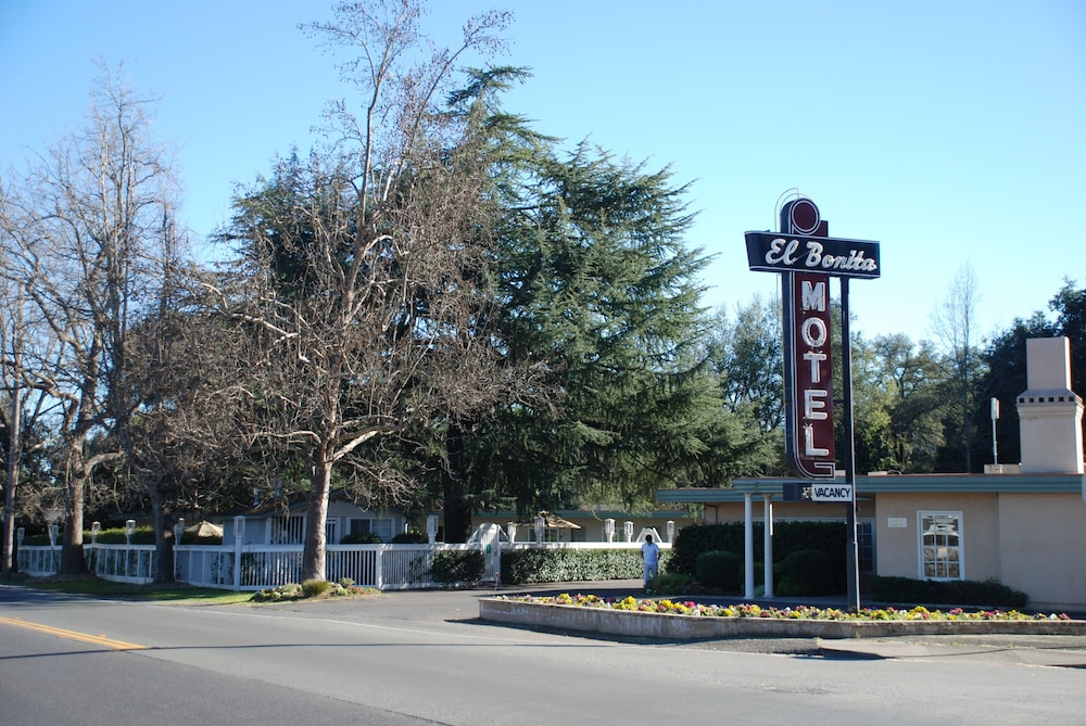 Front of Property, El Bonita Motel