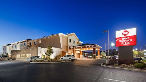 Best Western Plus Boardman Inn & Suites