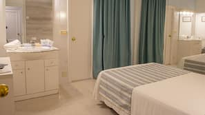 Una cassaforte in camera, tende oscuranti, Wi-Fi gratuito, lenzuola