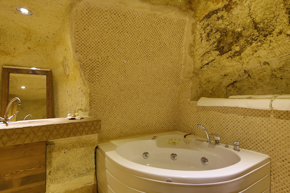 Jetted Tub, Fairyland Cave Hotel - Special Class