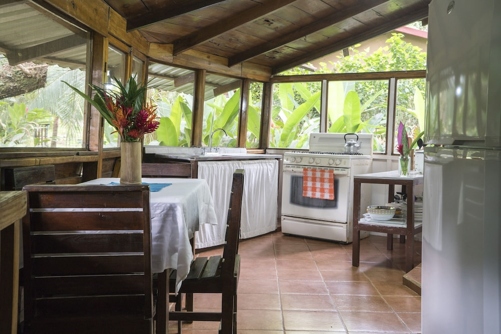 Private Kitchen, Ecovital Costa Rica