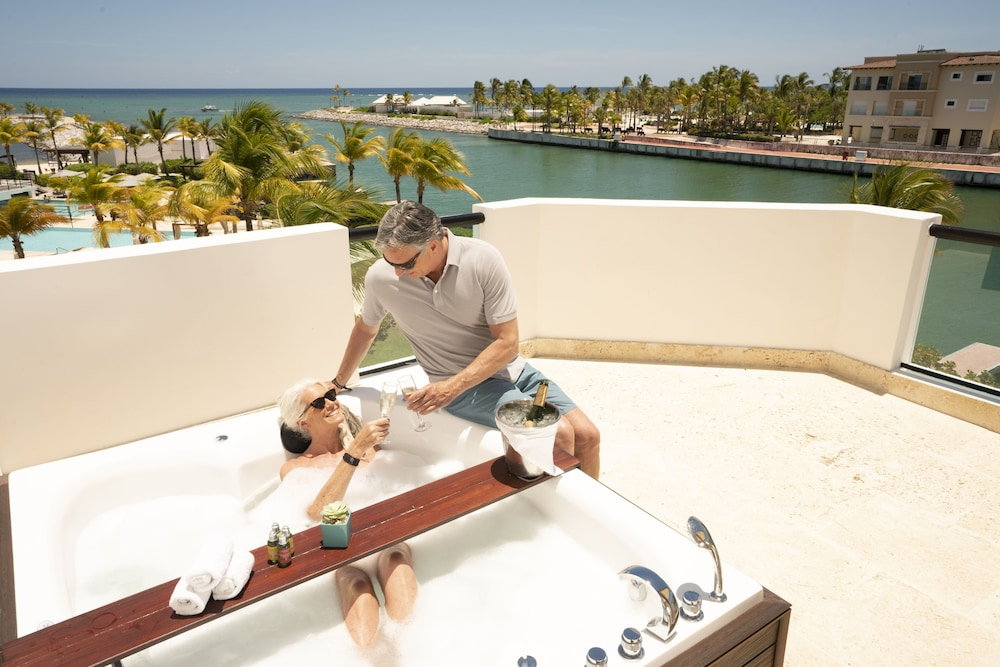 Outdoor Spa Tub, TRS Cap Cana Hotel - Adults Only - All Inclusive