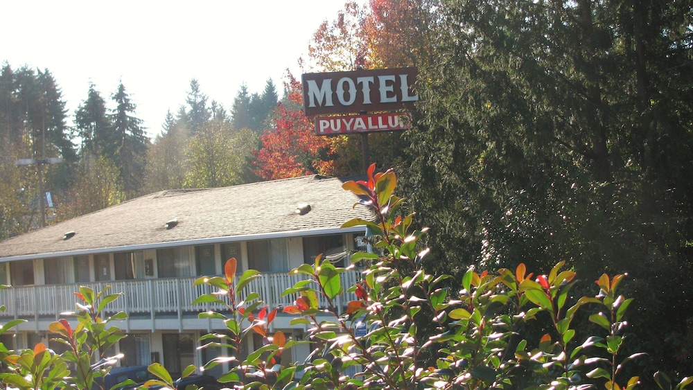 Front of Property, Motel Puyallup