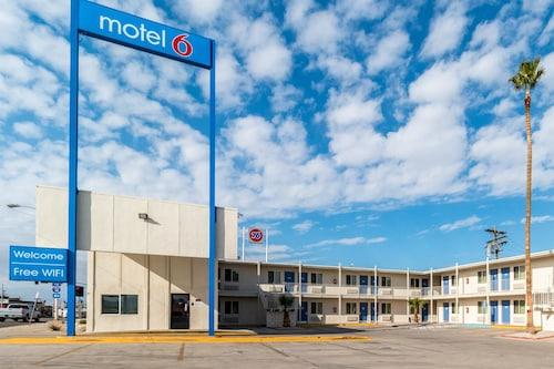 Check Expedia for Availability of Motel 6 Blythe South