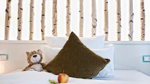 Schreibtisch, Babybetten, kostenloses WLAN, Bettwäsche