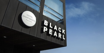 Black Pearl Luxury Apartments
