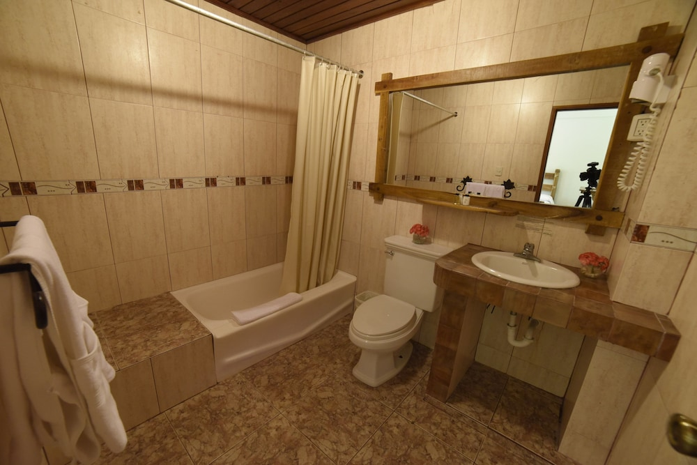 Bathroom, Hotel Gran Jimenoa