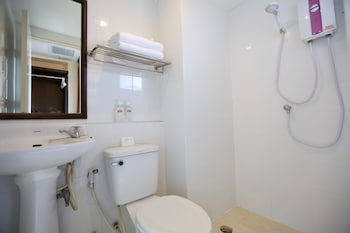 Deluxe Double Room - Bathroom