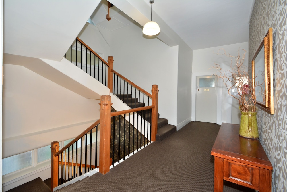 Hallway, Majestic Mansions - Apartments at St Clair