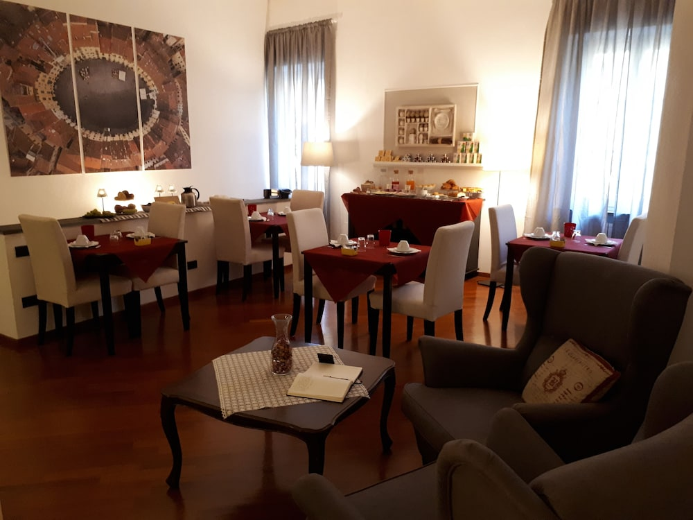 Bed & Breakfast Le Terrazze (Lucca) - 2018 Hotel Prices | Expedia