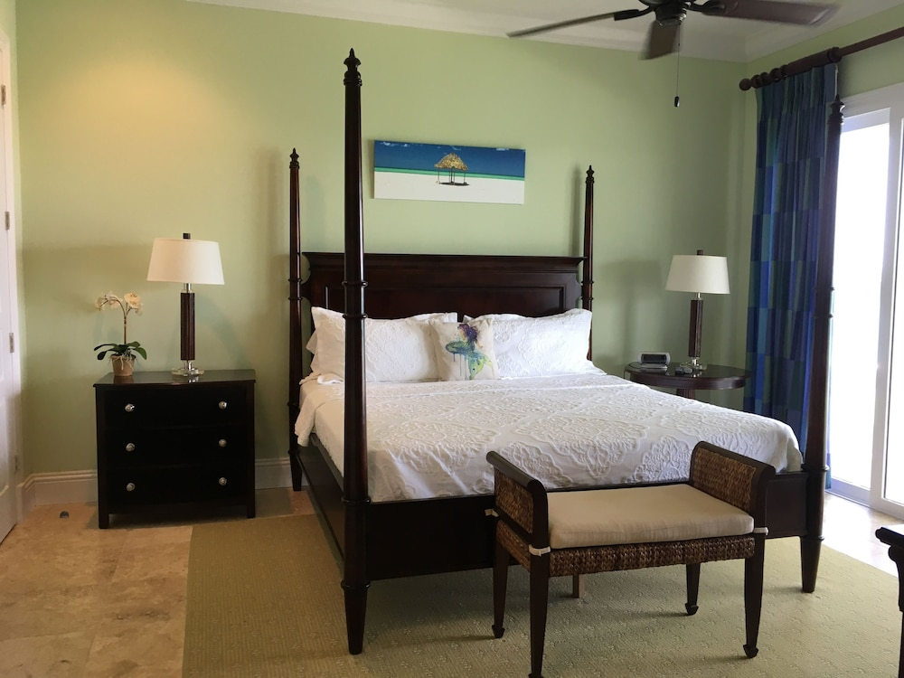 Room, Mermaid Reef Villa 3 by Living Easy Abaco
