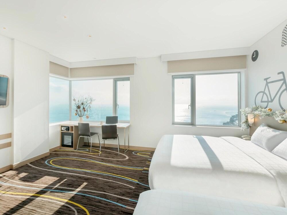 Hotel Room Multiple Beds In Korea