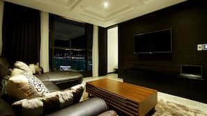 케이블 채널 시청이 가능한 47인치 LED TV, 개봉 영화, 유료 영화