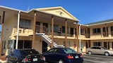 Fountain Inn & Suites - Holly Hill Hotels