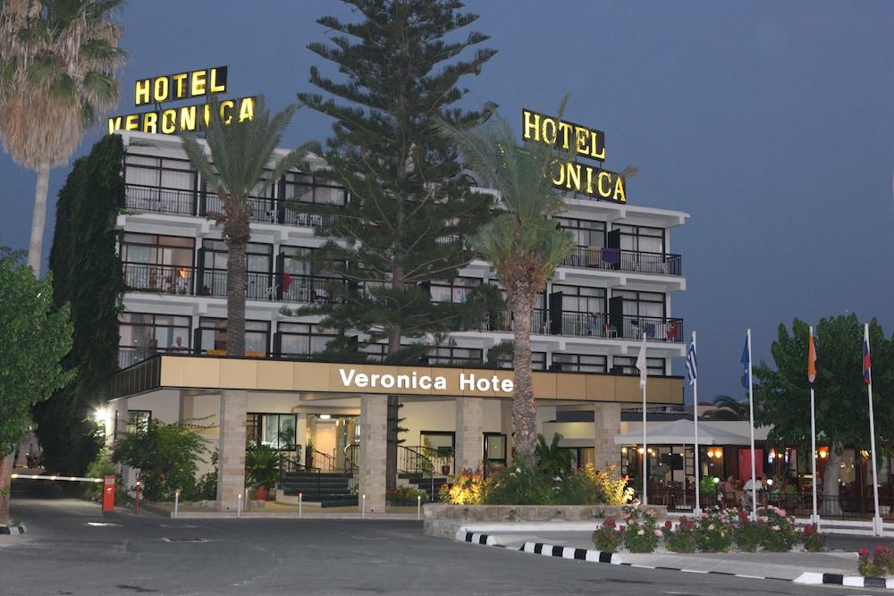 Hotel Veronica Reviews Photos Rates Ebookers Com