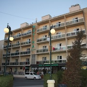 Mavina Hotel and Apartments