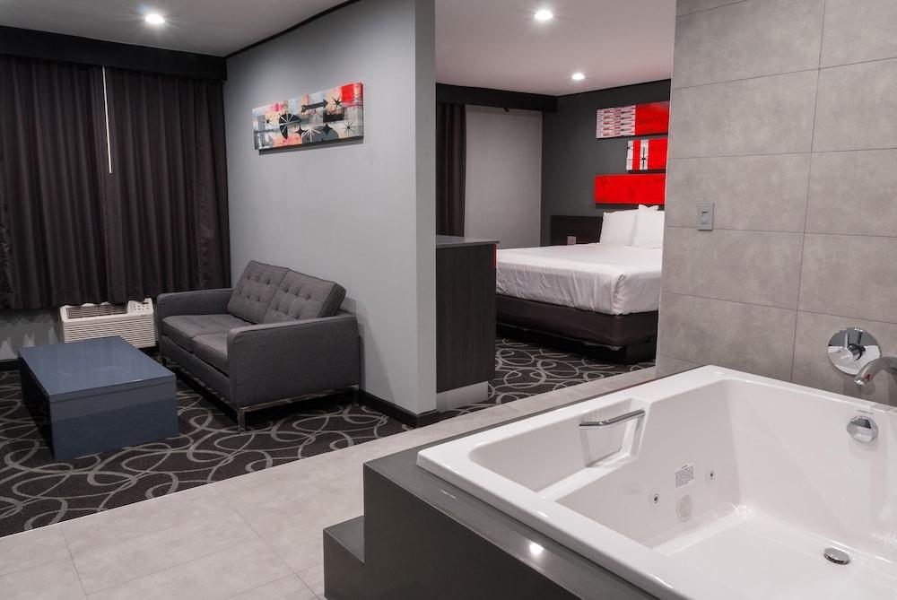 Astro Pasadena Hotel Reviews