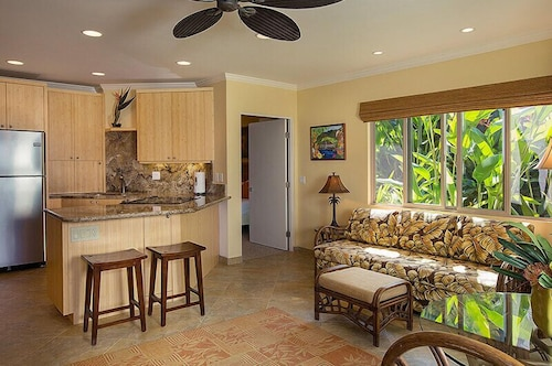 Private Kitchen, Hale Napili