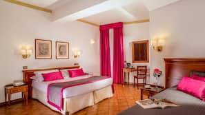 Caja fuerte, camas supletorias (de pago), wifi gratis y ropa de cama