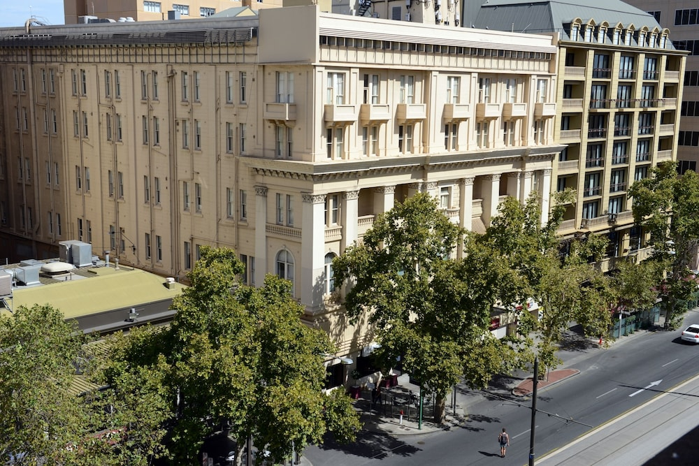 Ibis styles adelaide grosvenor in adelaide hotel rates for 31 north terrace adelaide