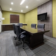 객실 내 비즈니스 센터
