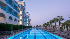 Indoor pool, 3 outdoor pools, pool umbrellas, pool loungers