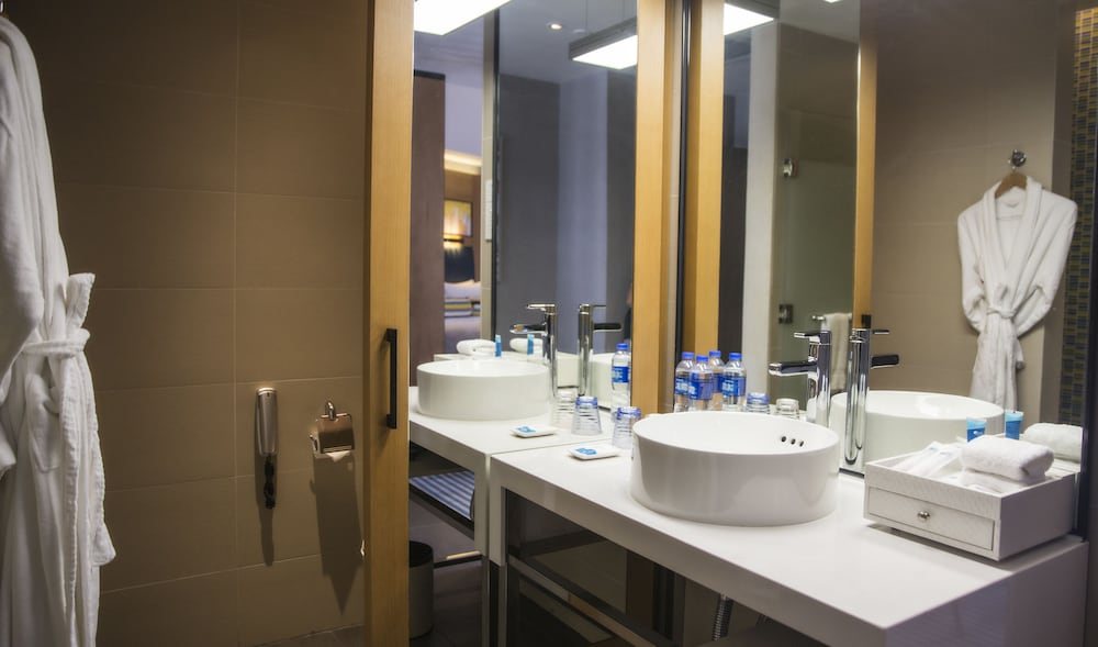 Bathroom, Aloft Dongguan Songshan Lake