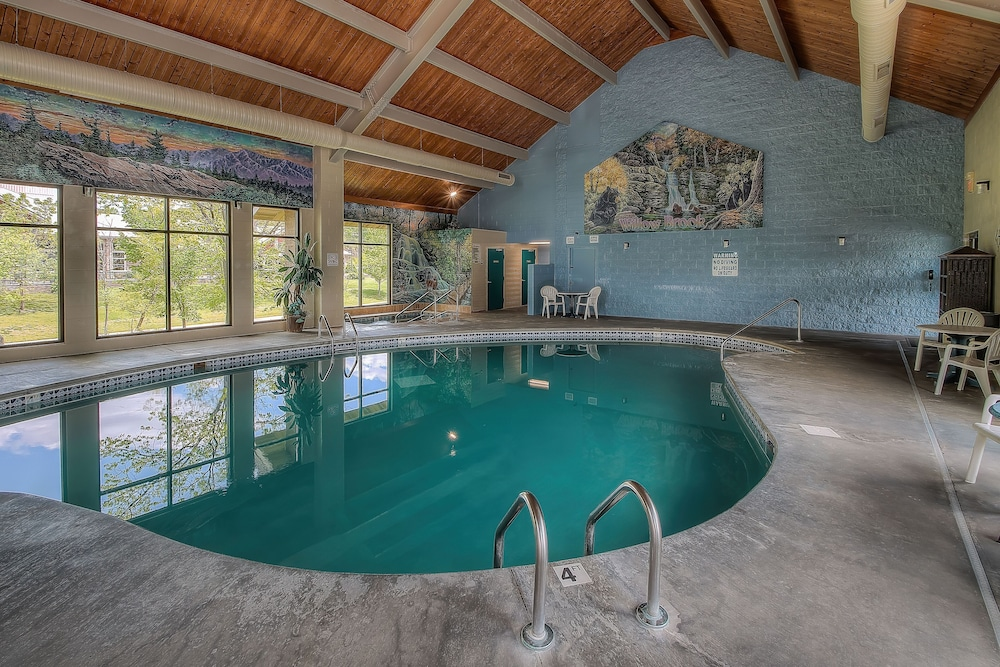 Indoor Pool, Accommodation By Willow Brook Lodge