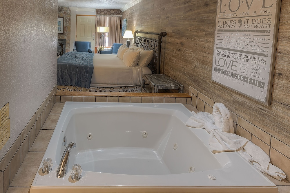 Deep Soaking Bathtub, Accommodation By Willow Brook Lodge