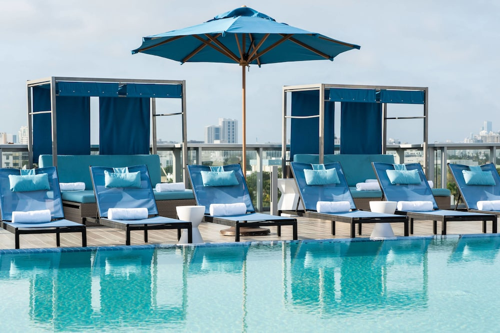 Pool, AC Hotel by Marriott Miami Beach