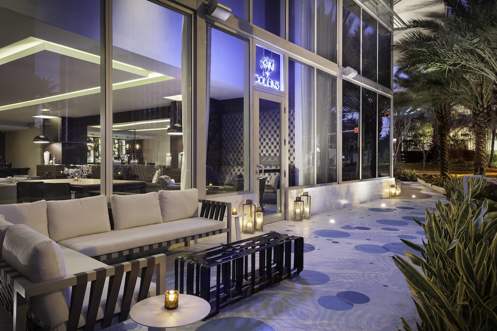 Restaurant, AC Hotel by Marriott Miami Beach