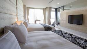 高級寢具、羽絨被、房內夾萬、書桌