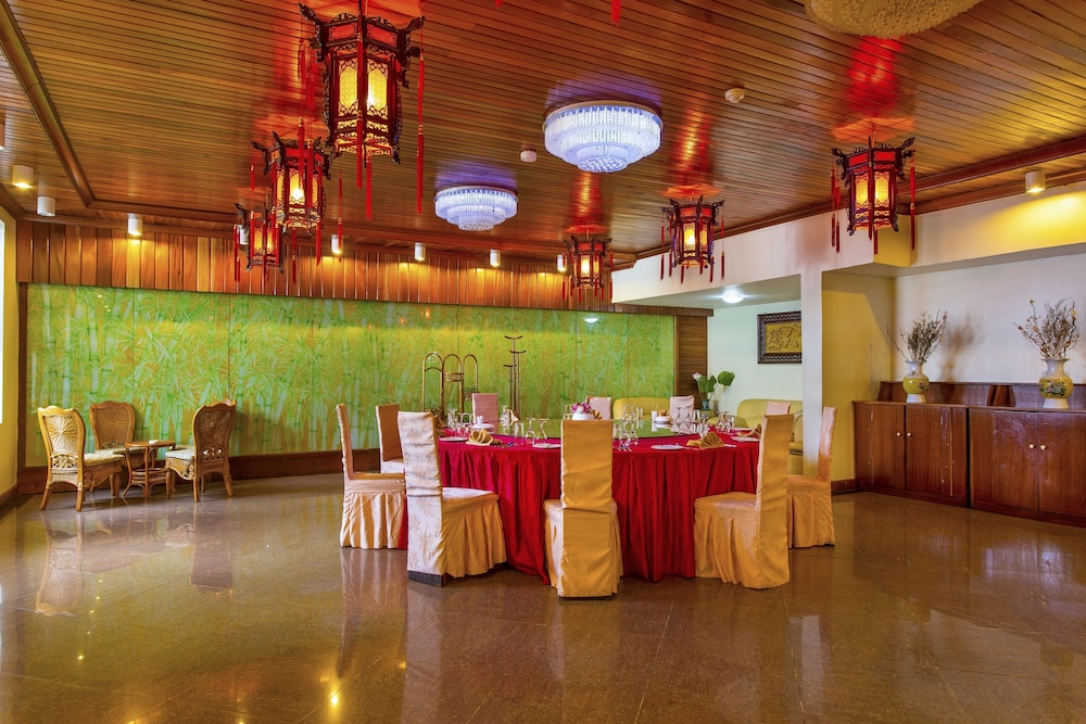 Banquet Hall, Eastland Hotel