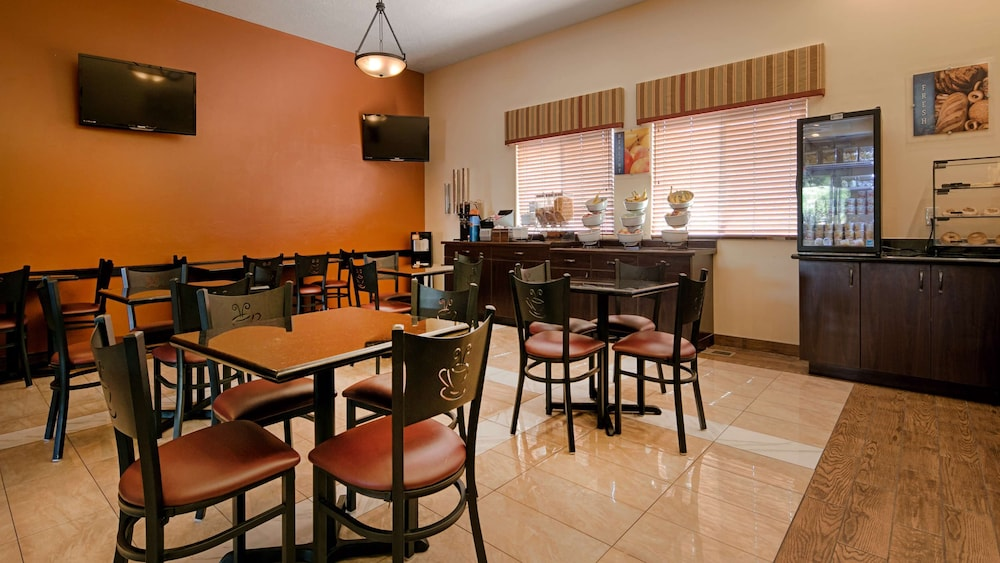 Breakfast Area, Best Western Plus Zion West Hotel