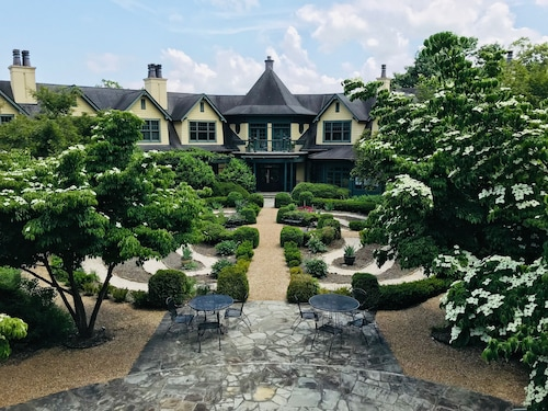 $79 Asheville Spa Resorts - Best Hotels & Spas for 2019