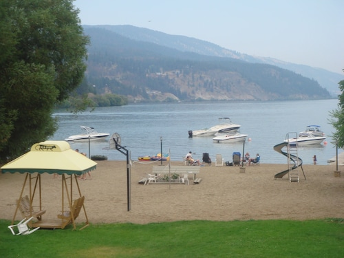Kokanee Beach Resort Motel