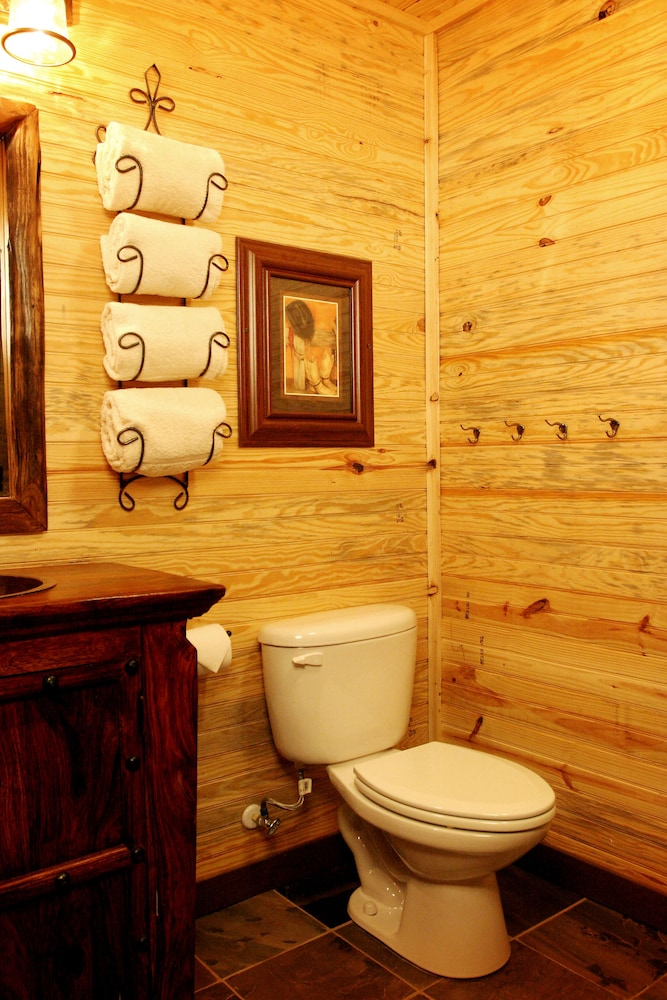 Bathroom, Hideout on the Horseshoe