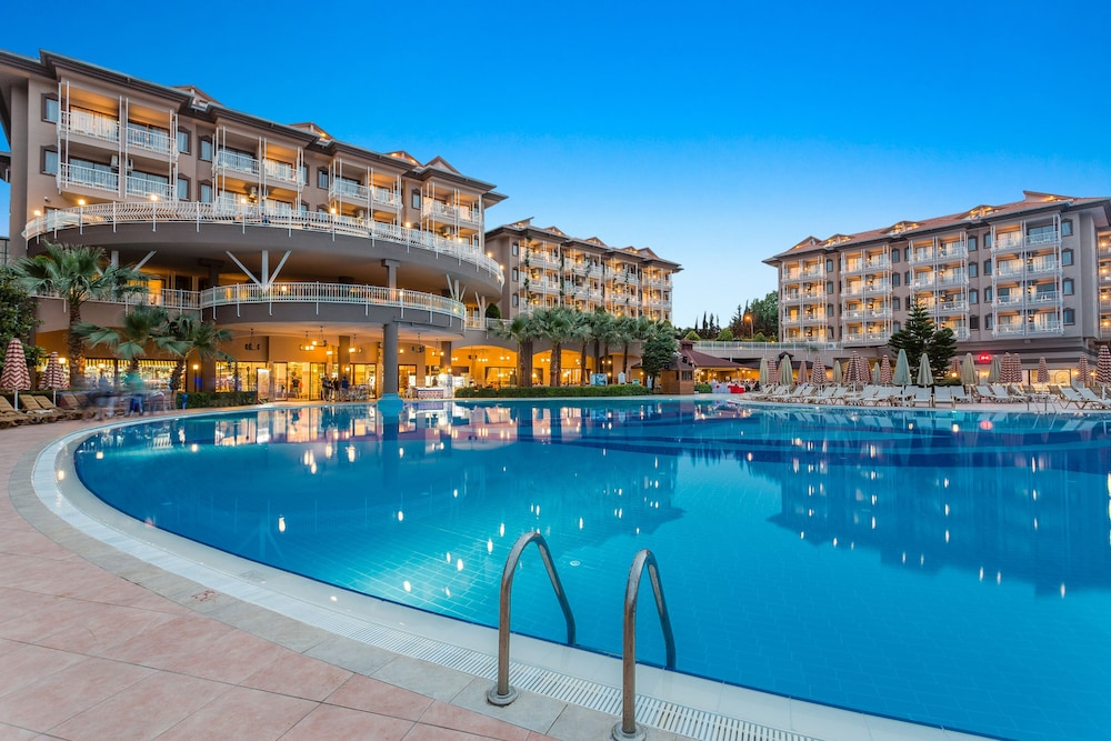 Hotel Lara Side