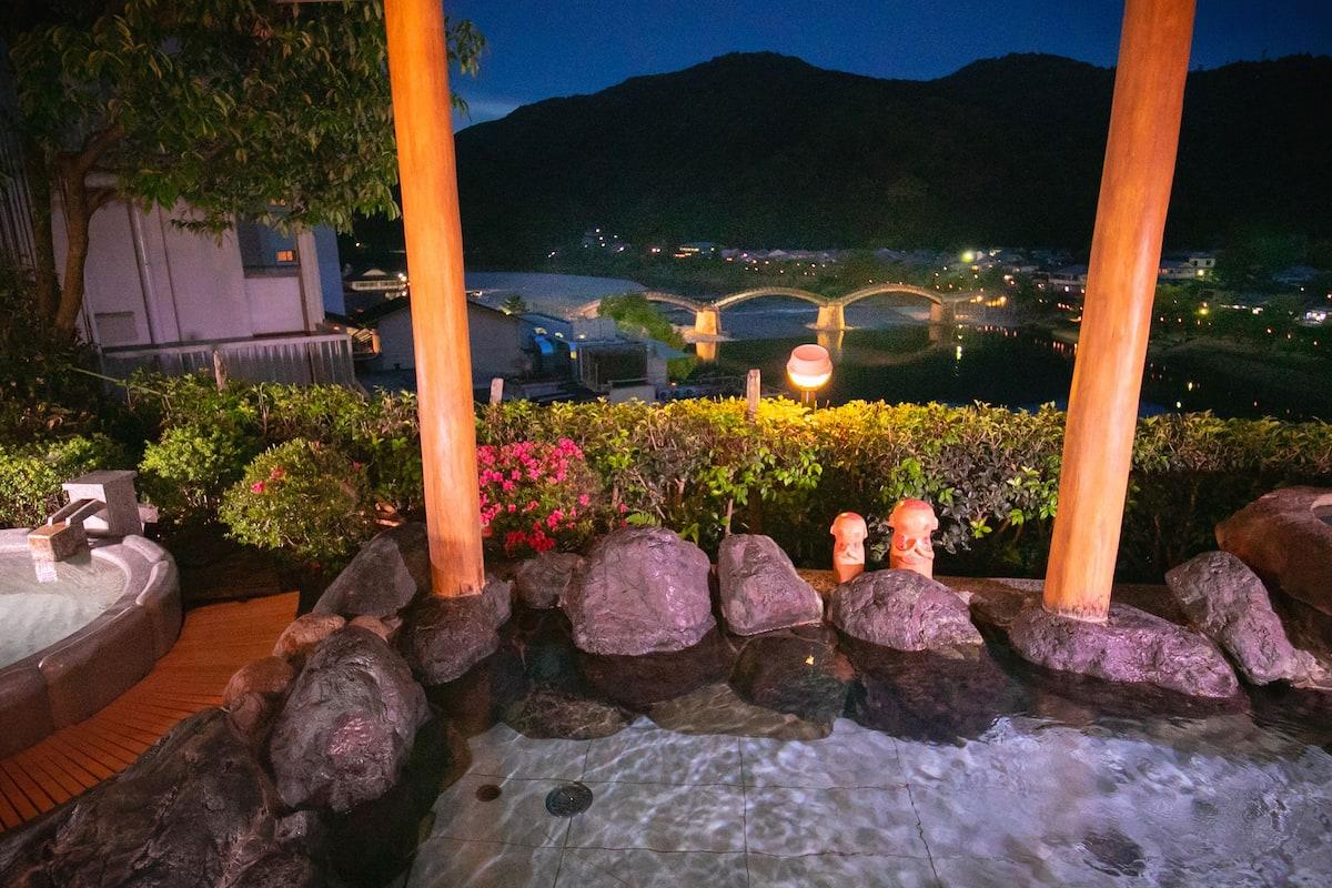 桜満開の岩国&宮島で、お花見さんぽ旅