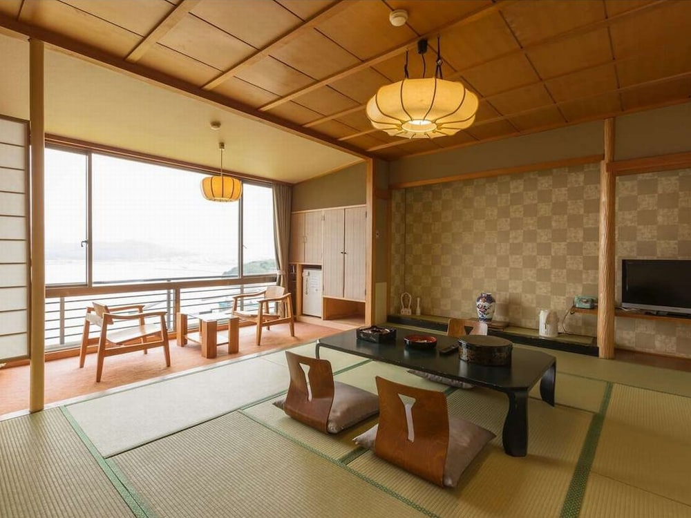 In-Room Dining, Wano Resort Hazu